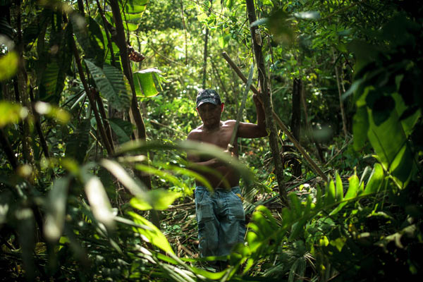 Chief Solano came from the Upper Tapajós to help. 'We are one people', the Munduruku declare. Photo credit: Marcio Isensee e Sá