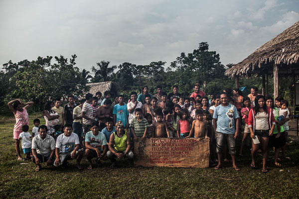 The Munduruku come together to celebrate the conclusion of one more stage in the demarcation of the Sawré Muybu. Photo credit: Marcio Isensee e Sá