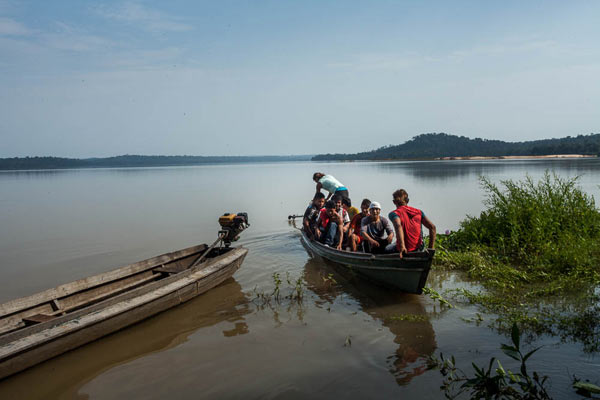 The Tapajós River is the primary source of livelihood for the natives; the arrival of the dam could diminish fish supplies. Photo credit: Marcio Isensee e Sá