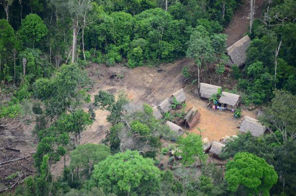 Logging camp in the region. Photo by: Alvaro del Campo.