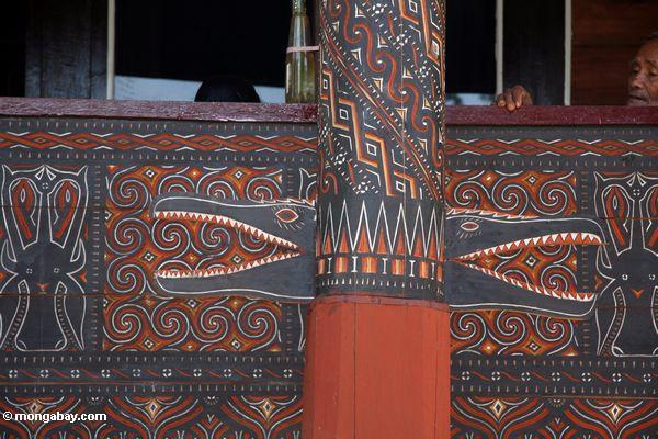 Crocodile patterns carved in wood at Tongkonan house (Toraja Land (Torajaland), Sulawesi)