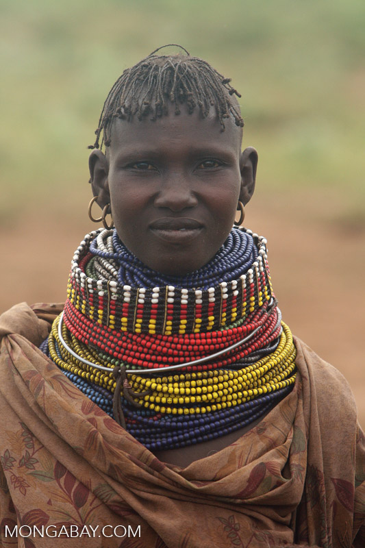 Portrait of a Turkana woman (photo)