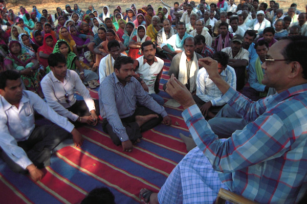 Ramesh Agrawal educates community residents. Photo by: Goldman Environmental Prize.