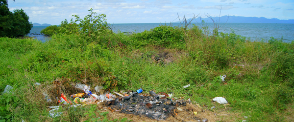 Natural resource management includes the visual and environment problems of proper trash disposal around Fiji, particularly outside the bigger towns where infrastructure is missing. Photo: Amy West.