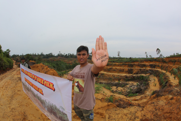Anti-Pepsico protest in Indonesia