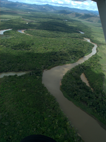 Taken from the small airplane. There are many shallow rivers in the Rupununi, preventing modern world to reach until recently. Rupununi is part of Guiana Shield, one of the oldest landscape. Photo credit: Takuya Iwamura.
