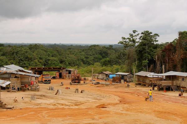 An East Asian logging camp in the RoC. Photo by Emma Stokes, WCS