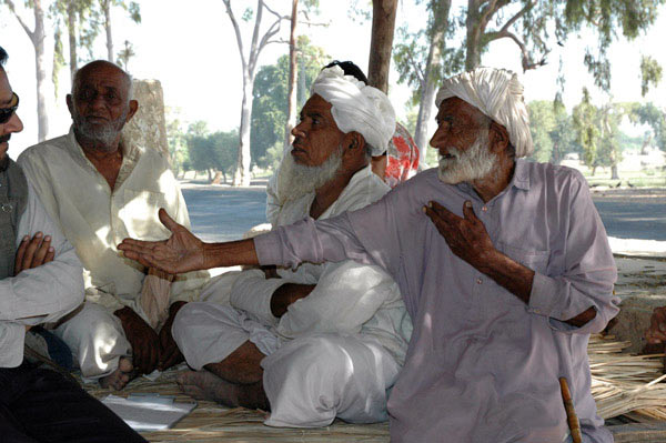 Interviews with elderly Pakistani fishermen like these were key to documenting the history and geography of the dolphin's decline. Photo by Gill Braulik.