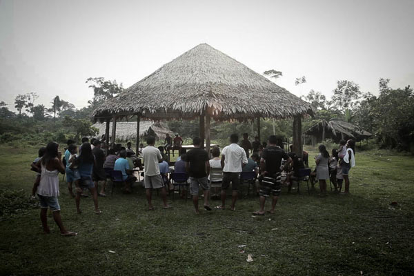 Meeting in the Sawré Muybu village: everyone can participate. Photo: Marcio Isensee e Sá