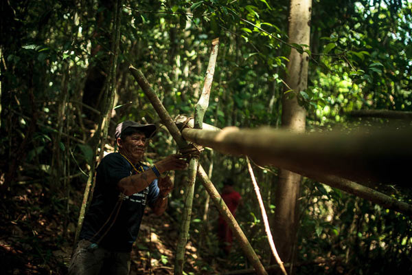 The Munduruku set up camp in the middle of the woodland. Photo: Marcio Isensee e Sá