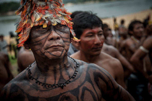 Chiefs and warriors have joined forces to resist the power plants. Photo: Marcio Isensee e Sá