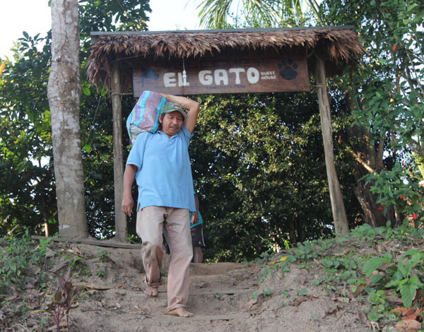 Eduardo Ramírez and his family share responsibilities for operating El Gato, which caters to younger tourists interested in meeting local people. Photo by Barbara Fraser.
