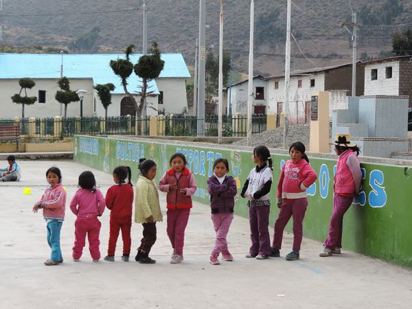 Girls at play in a small Andean community in a watershed that supplies Lima. Credit: Gena Gammie.