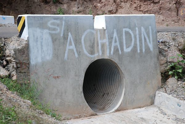 What was initially an anti-Chadin 2 message in the surrounding countryside. The 'No' has since been rubbed out and replaced with 'Yes.' Credit: David Hill
