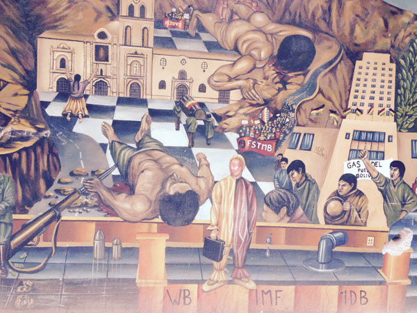 A mural on the side of the road in La Paz, Bolivia depicts the country's history of workers' struggle, referencing the protests of the miners Union and the protests in 2003 in favor of the nationalization of gas. Photo credit: Alexandria Ellerbeck.