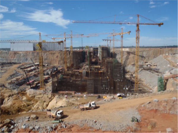 Construction of Brazil's Santo Antônio dam began in 2008 on the Madeira River, but was not approved for CDM carbon credit until 2013. Photo credit: Philip Fearnside.
