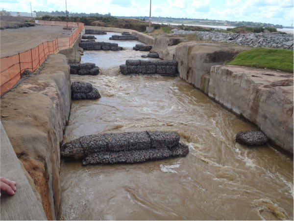 A fish passage at the Santo Antônio dam allows for the movement of migratory fish valuable to indigenous people. Photo credit: Philip Fearnside.
