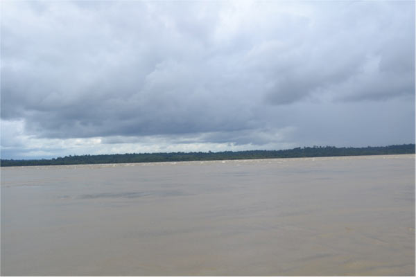 Brazil's Tapajós River in area to be flooded by the São Luiz do Tapajós Dam. Photo credit: Philip Fearnside.