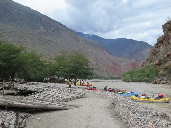 Traditionally, the people of the Marañon traverse the river rarely and with great caution. They use big rafts of balsawood logs tied together by wire to cross the river in
