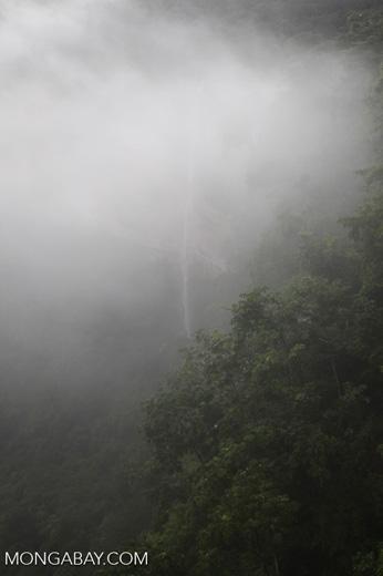 Waterfall at Chapada (through the mist)