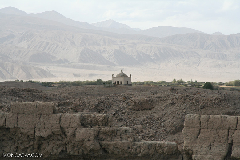 Tomb near Tashkurgan fort
