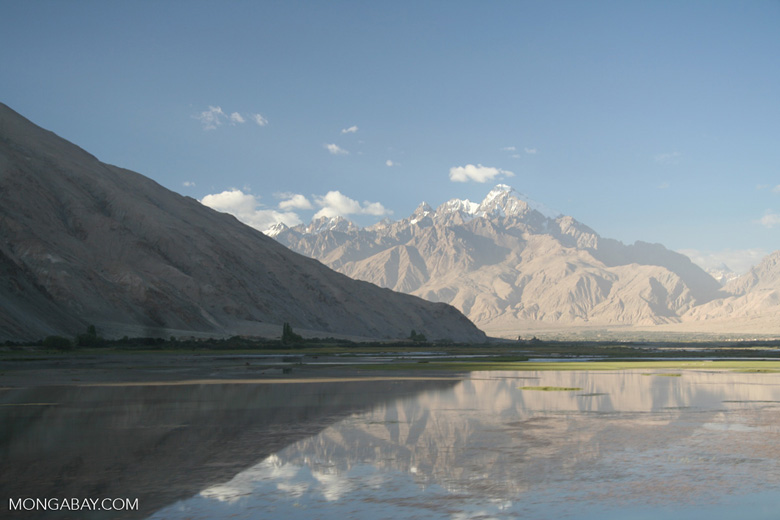 Lake on route from Karakoram Highway to Datong