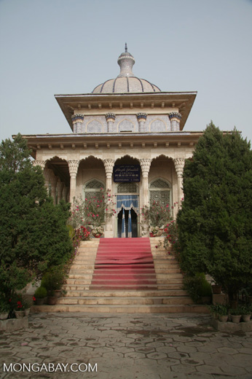 Amanni Shahan's tomb in Yarkand.