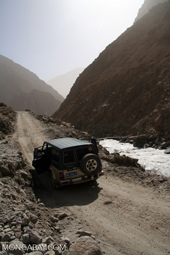 4x4 vehicle on road to Datong