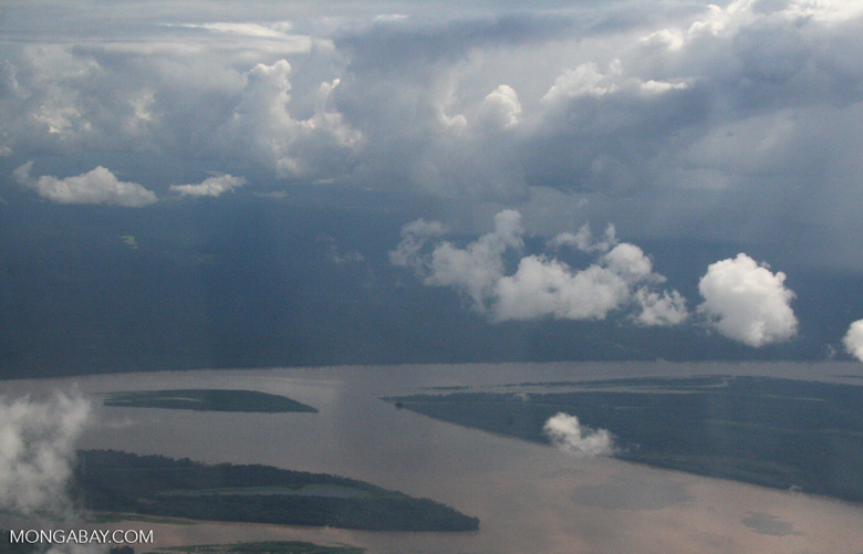 Aerial view of the Amazon river [co02-0049]