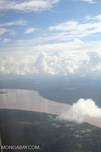Aerial view of the Amazon river [co02-0051]