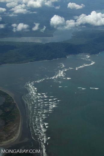 Surf and coastline near Puerto Escondido