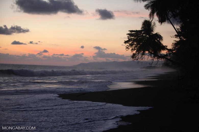 Sunset at an Osa Peninsula beach [costa-rica_1399]