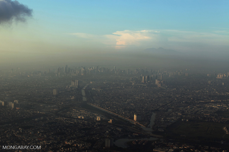 Smog in Jakarta. Residential energy sources produce 60 percent of Indonesia's air pollution-caused deaths, according to the study. Photo by Rhett A. Butler / Mongabay