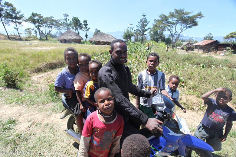 Papuan man with many children