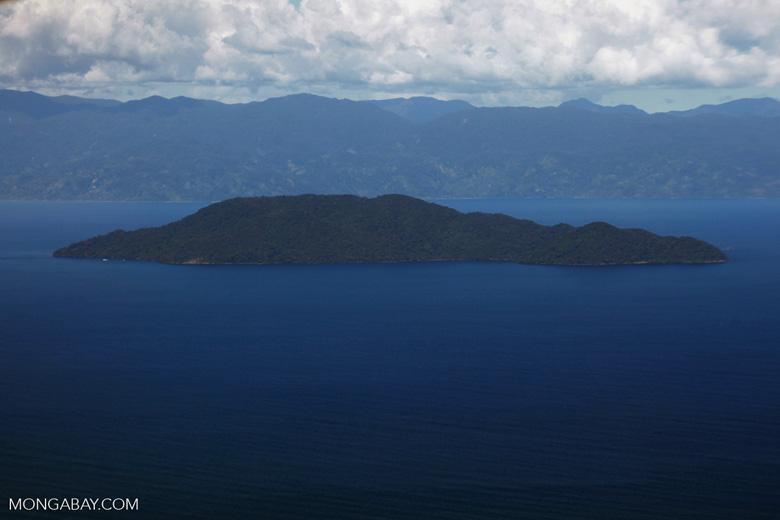 Aerial view of Nosy Mangabe and the Bay of Antongil [madagascar_1789]