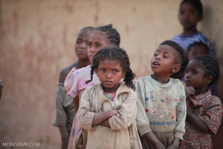 Kids in an Antanifotsy Valley village [madagascar_6162]