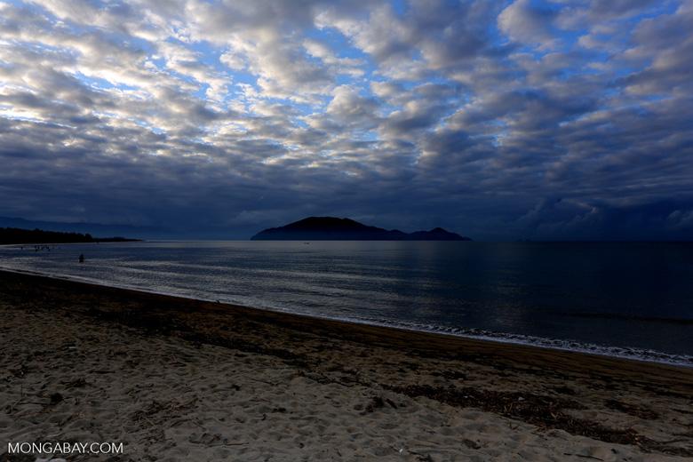 Sunrise over Nosy Mangabe and the beach in Maroantsetra [madagascar_maroantsetra_0268]