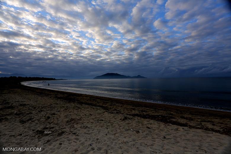 Sunrise over Nosy Mangabe and the beach in Maroantsetra [madagascar_maroantsetra_0269]