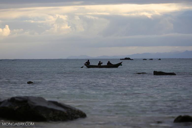 Boat in the Bay of Antongil [madagascar_masoala_0057]