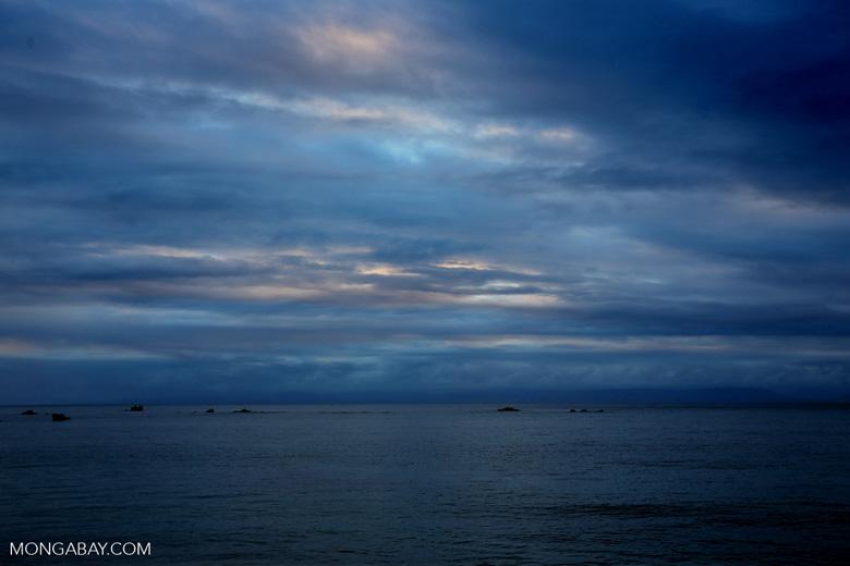 Sunset over the Bay of Antongil [madagascar_masoala_0074]