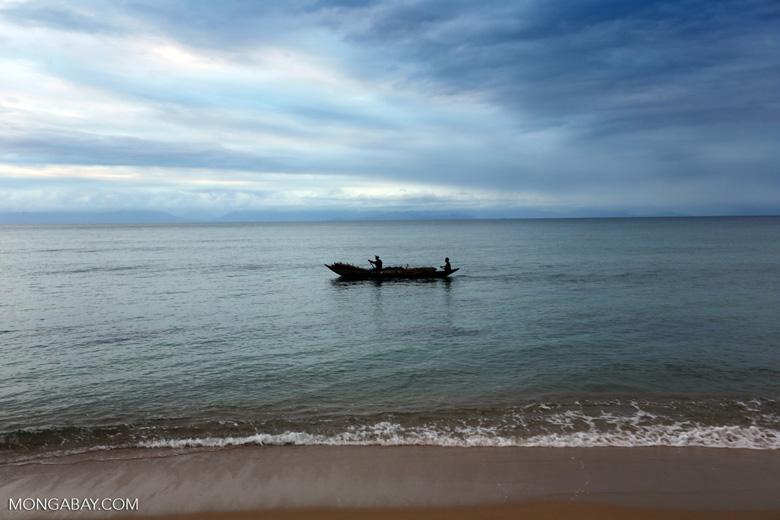 Boat in the Bay of Antongil [madagascar_masoala_0075]