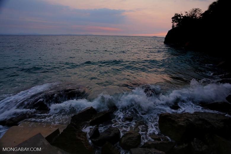 Sunset off Nosy Komba [madagascar_nosy_komba_0121]