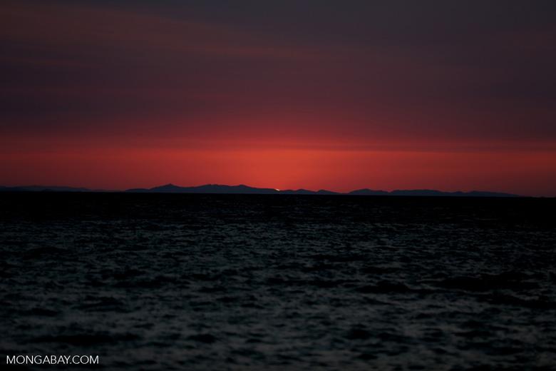 Sunset off Nosy Komba [madagascar_nosy_komba_0122]