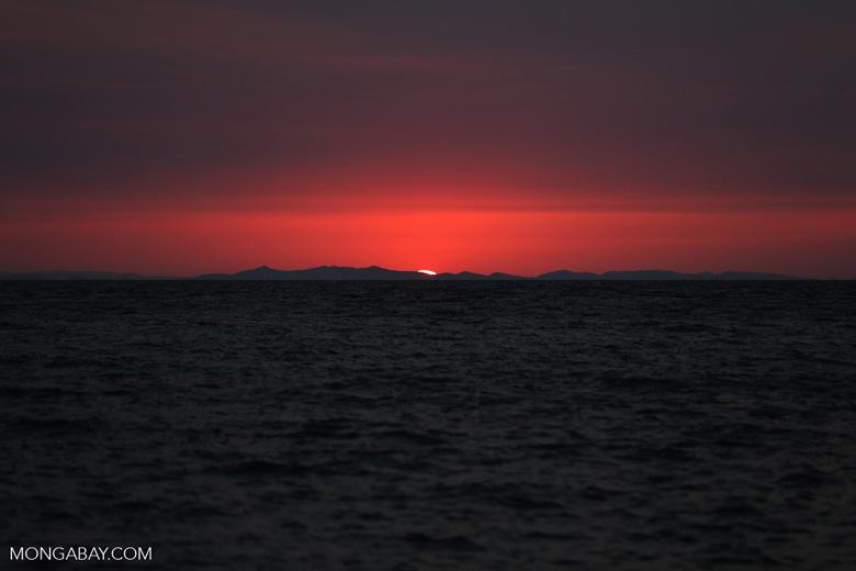 Sunset off Nosy Komba [madagascar_nosy_komba_0124]