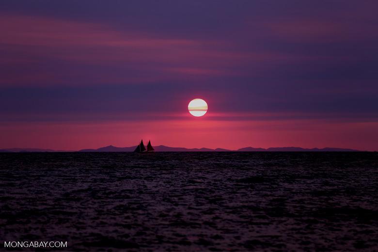 Sunset off Nosy Komba [madagascar_nosy_komba_0128]