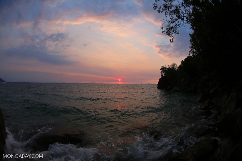 Sunset off Nosy Komba [madagascar_nosy_komba_0134]