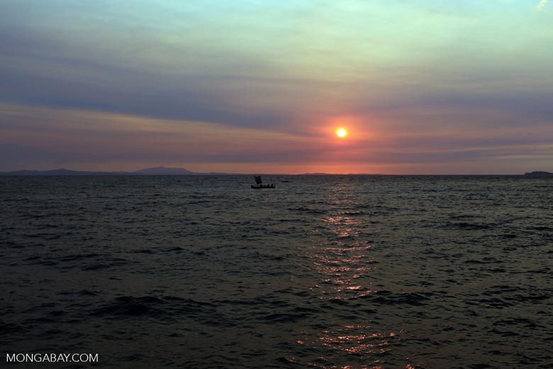 Sunset off Nosy Komba [madagascar_nosy_komba_0143]