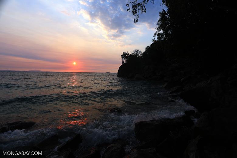 Sunset off Nosy Komba [madagascar_nosy_komba_0145]