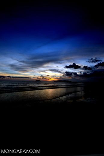 Sunset on a beach in Kota Kinabalu -- sabah_0123