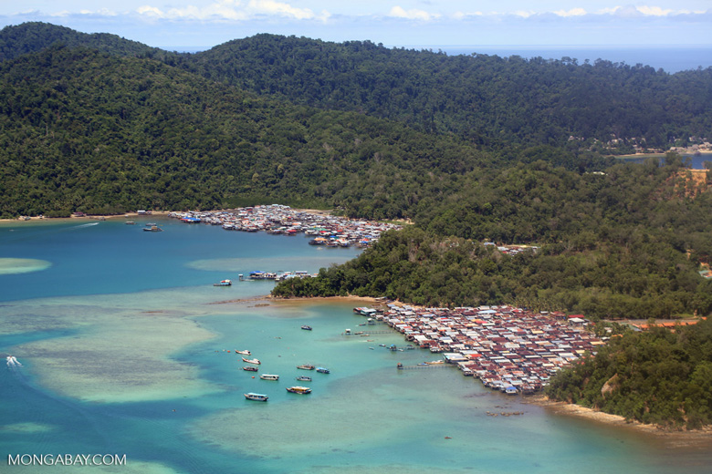 Fishing village on Jalan Utama Sutera Harbour